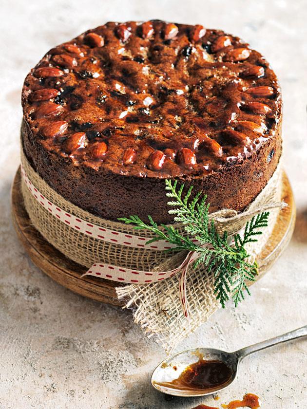 SMOKED ALMOND, PEAR AND MARSALA CHRISTMAS CAKE