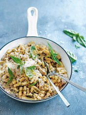 artichoke and pesto mac and cheese