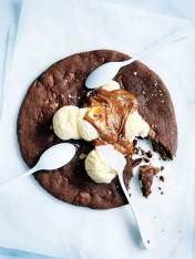 chocolate chunk share cookie