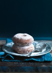 apple and cinnamon doughnuts