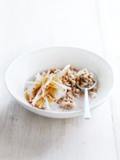 apple crumble bircher