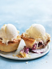 Blackberry vanilla pies