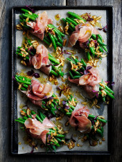 blanched bean and prosciutto bundles