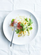 broad bean, lemon and prosciutto pasta