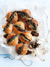 caramelised onion, blue cheese and rosemary garlic breads