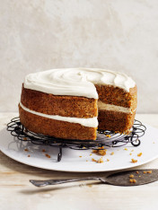 carrot cake with cashew frosting