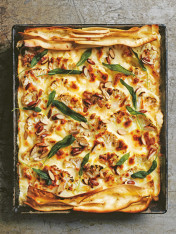 cheat's cauliflower cheese lasagne