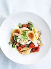 cherry tomato, olive and goat's cheese pasta