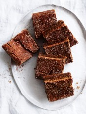 chewy chai slice with cinnamon sugar