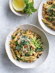 chickpea pasta with cheat's broccoli pesto