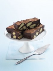 chocolate shortbread slice