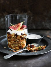 Cinnamon and vanilla oven-roasted granola