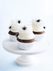 halloween cobweb cupcakes