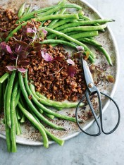 crispy pork and chilli mince with snake beans