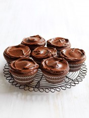 flourless chocolate cupcakes with ganache