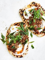 Naan breads with mango chutney pork, chilli and yoghurt