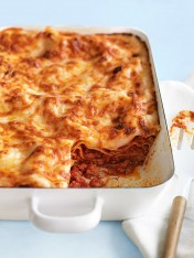 pork and oregano lasagne