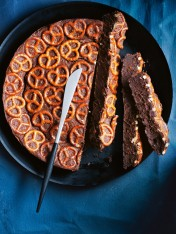 dark chocolate pretzel cake