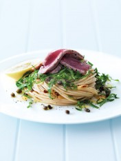 rocket pasta with seared tuna