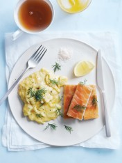 scrambled eggs with smoked salmon fingers