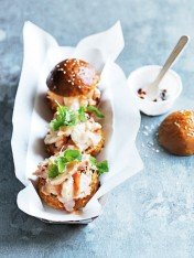 spicy tabasco lobster sliders