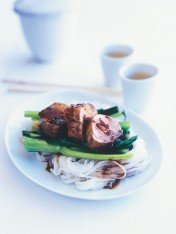 sticky pork with rice noodles