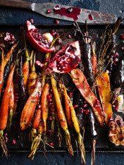 sumac-roasted carrots with pomegranate dressing
