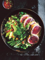 tuna and edamame brown rice bowl with chilli soy dressing
