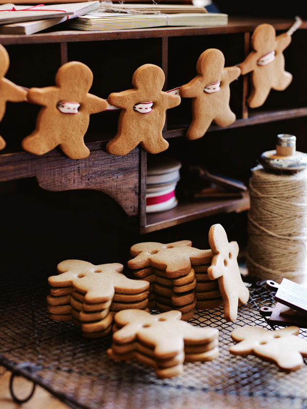 Gingerbread Men Garland Donna Hay