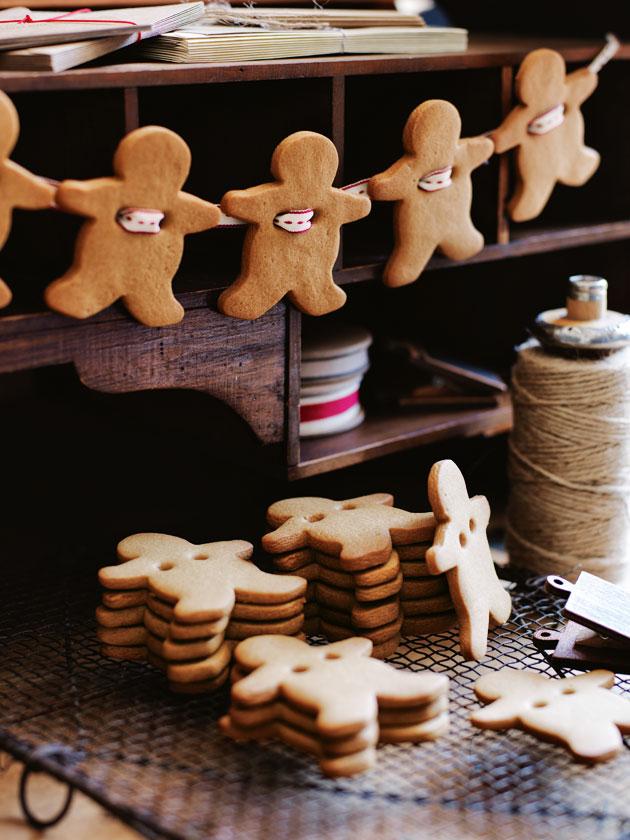 Gingerbread Men Garland Donna Hay