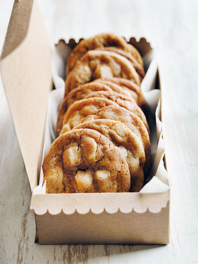 White Chocolate And Macadamia Chip Cookies Donna Hay
