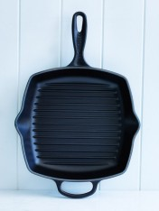 Le Creuset 26cm square grillit in satin black