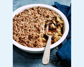 easy apple crumble video